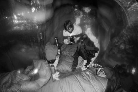 Svalbard_Larsbreen_caves_part_1_Jelte_Ellie_sleeping_bag