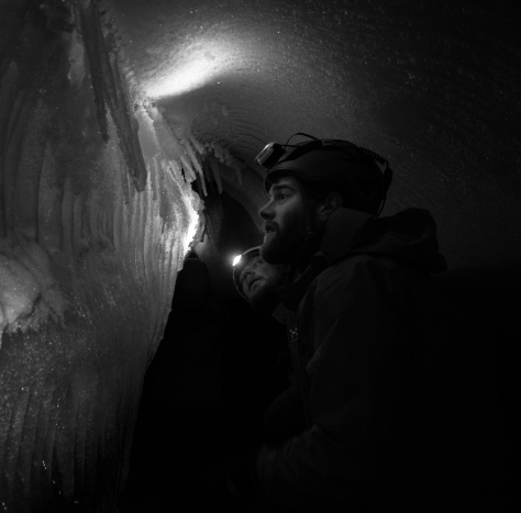 Svalbard_Larsbreen_caves_part_1_Tom_Jelte_ice_ribs