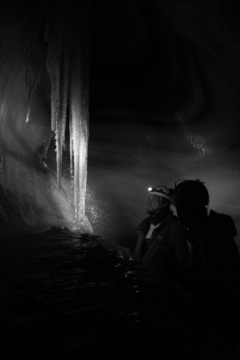 Svalbard_Larsbreen_caves_part_1_Tom_Jelte_icicle2