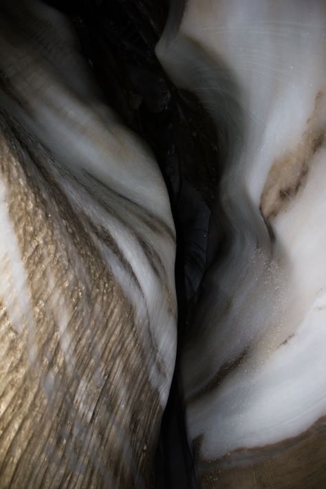 Svalbard_Larsbreen_caves_part_2_roof_wave