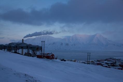 Svalbard_smoke_stack