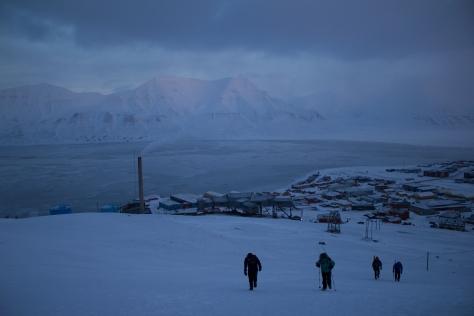 Svalbard_starting_uphill