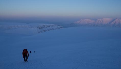 Svalbard_trollsteinen_ascending