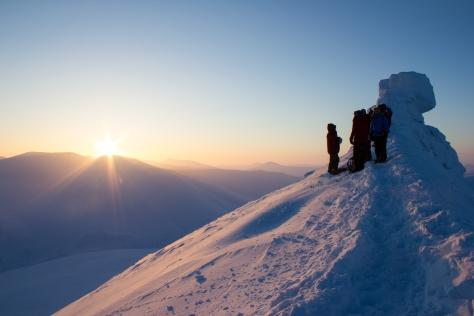 Svalbard_Trollsteinen_Summit_sun