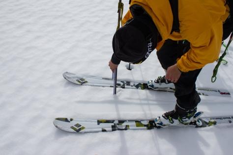 cg_spring_2016_Ben_snow_depth_measure