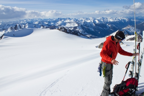 cg_spring_2016_Mt_Conrad_summit_Ben_skis