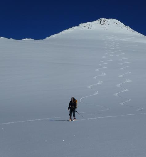 noel_conrad_ski_descent